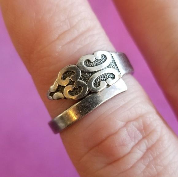Vintage spoon ring 1847 Rogers Bros silver tone